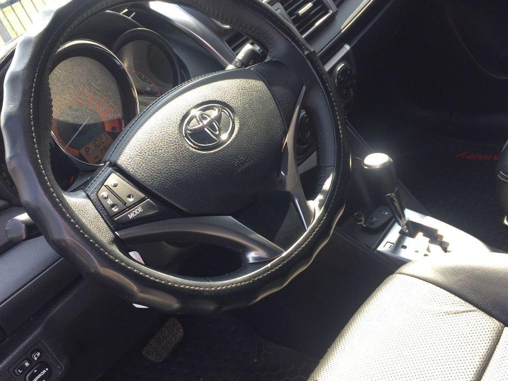 Cần bán lại xe Toyota Yaris AT đời 2017, màu bạc (5)