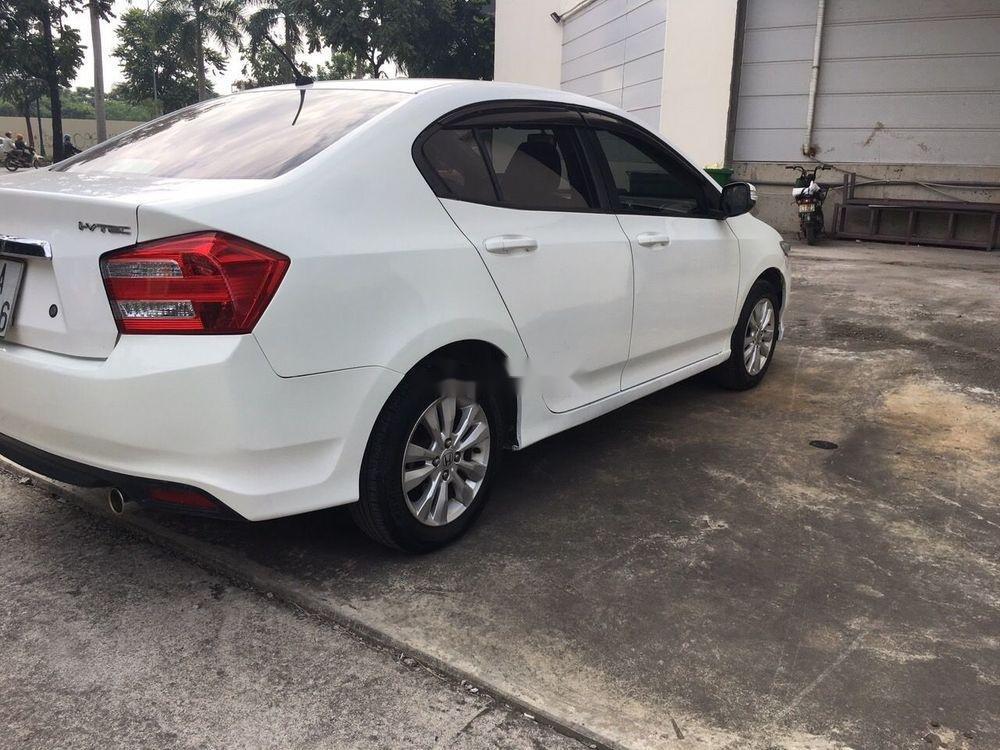Cần bán Honda City AT đời 2014, màu trắng số tự động, giá chỉ 425 triệu (4)