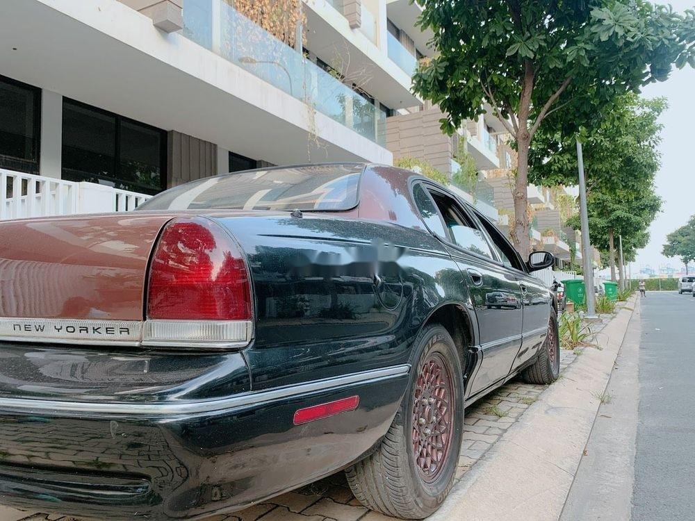 Cần bán gấp Chrysler New Yorker đời 1994, nhập khẩu, giá rẻ (3)