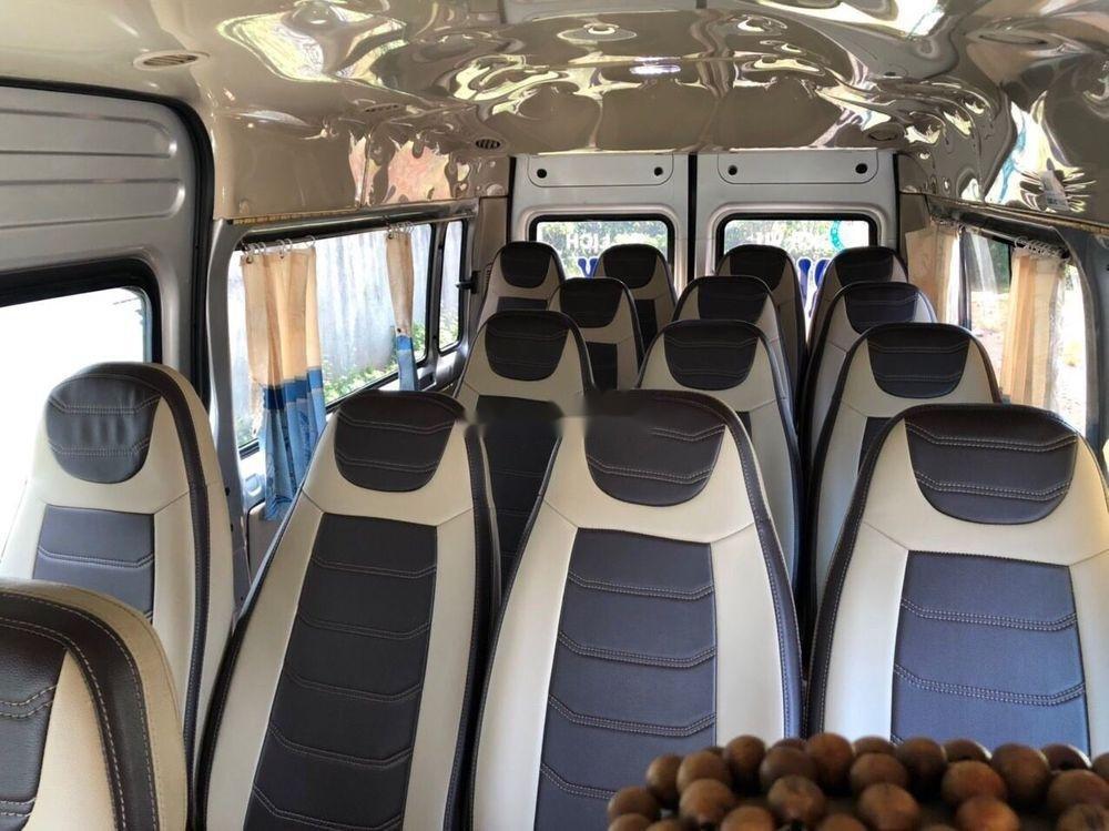 Bán Ford Transit năm sản xuất 2014, màu bạc còn mới, giá tốt (4)