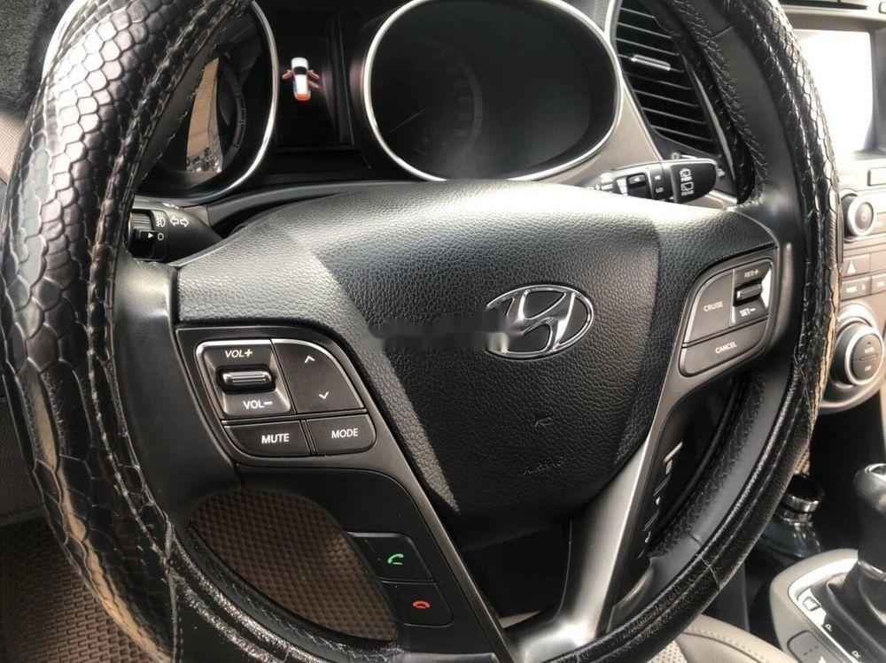 Cần bán lại xe Hyundai Santa Fe 2.2L 4WD năm sản xuất 2017, màu bạc chính chủ, giá chỉ 990 triệu (3)