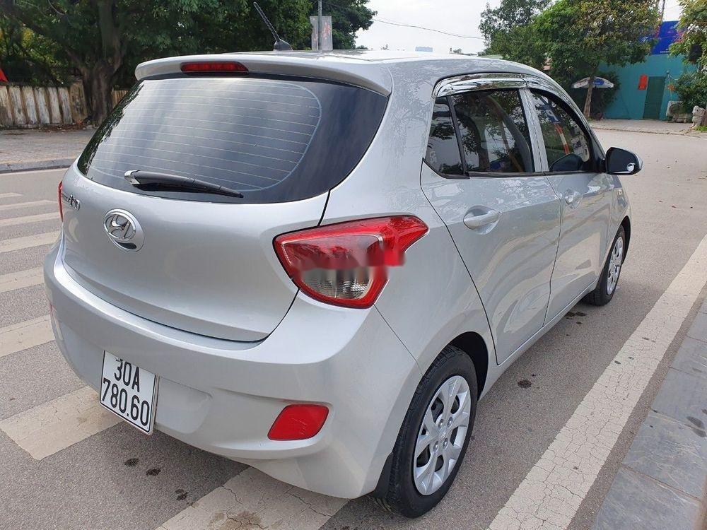 Bán Hyundai Grand i10 2016, màu bạc, nhập khẩu chính chủ giá tốt (3)