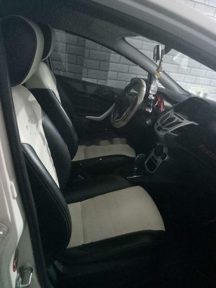 Cần bán lại xe Ford Fiesta sản xuất 2012, màu trắng, giá tốt (6)