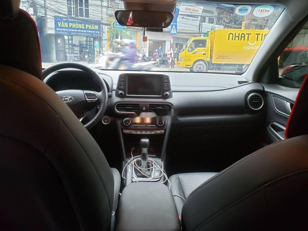 Cần bán Hyundai Kona 1.6 Turbo sản xuất 2018, màu đỏ còn mới (5)