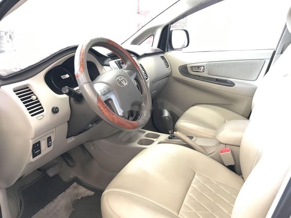 Cần bán Toyota Innova G đời 2013, màu bạc (3)