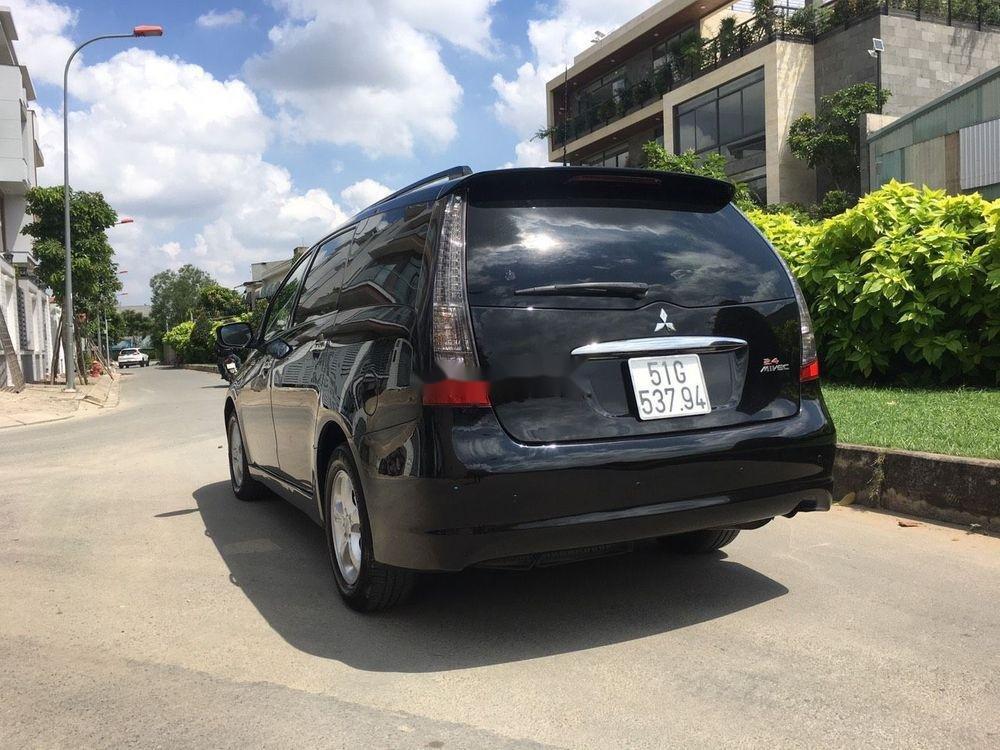 Cần bán xe Mitsubishi Grandis đời 2005, màu đen xe gia đình giá tốt (6)
