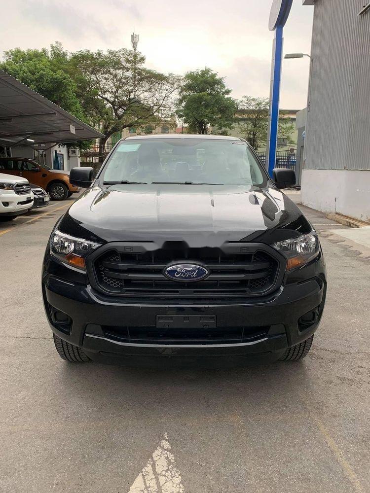 Cần bán gấp Ford Ranger đời 2019, màu đen, xe nhập (1)