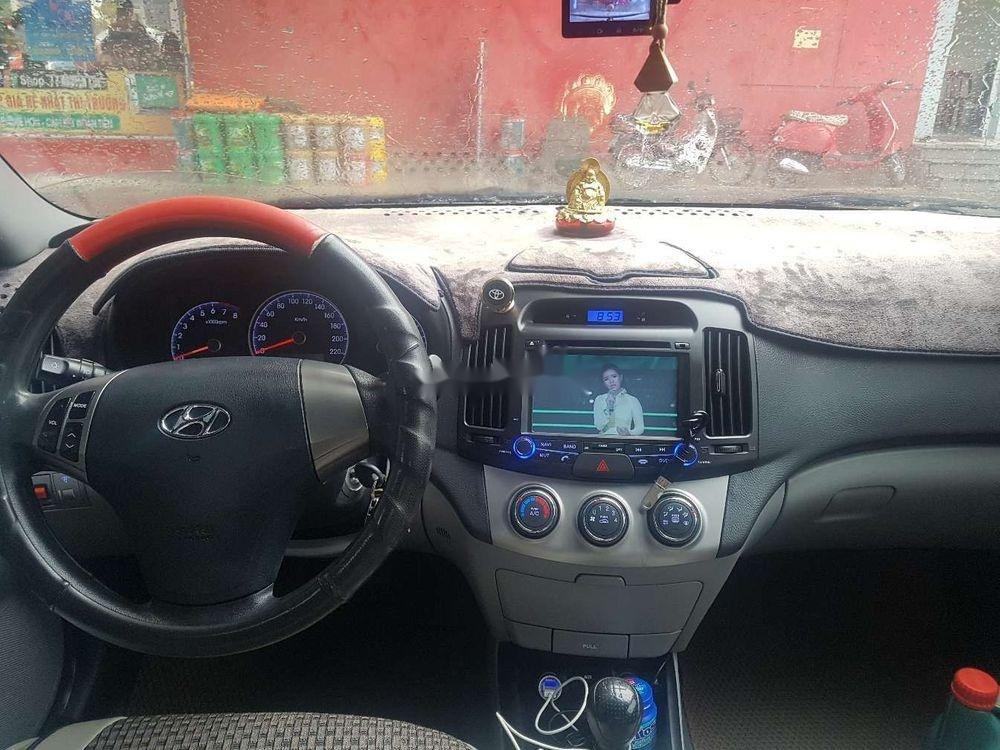 Cần bán lại xe Hyundai Avante đời 2011, màu trắng chính chủ, giá tốt (4)
