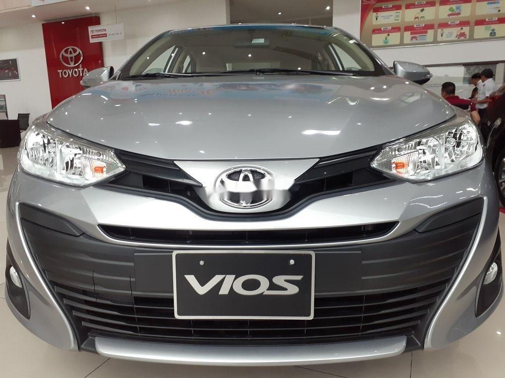 Bán xe Toyota Vios đời 2019, màu bạc, số tự động (1)