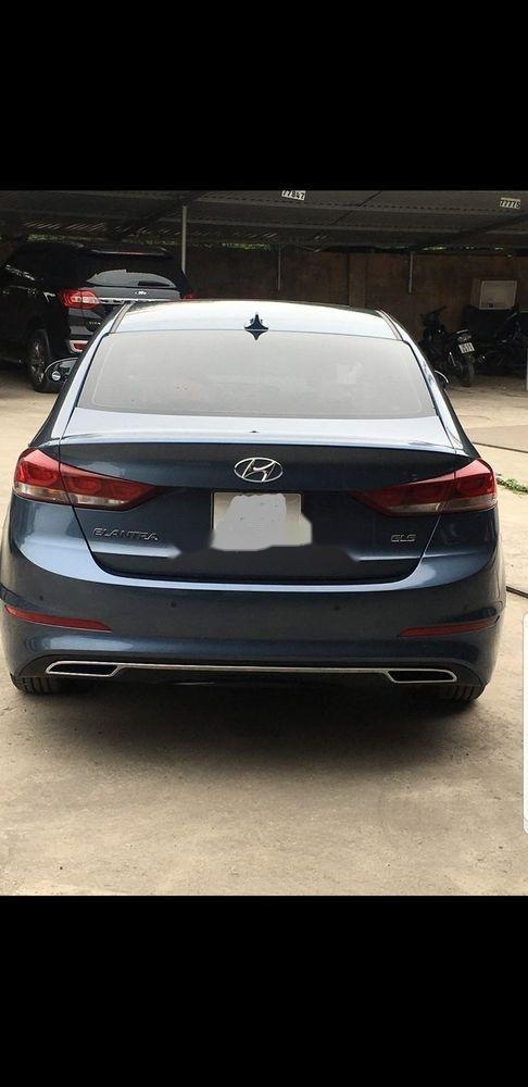 Cần bán lại xe Hyundai Elantra 1.6 AT năm sản xuất 2017 đẹp như mới (3)