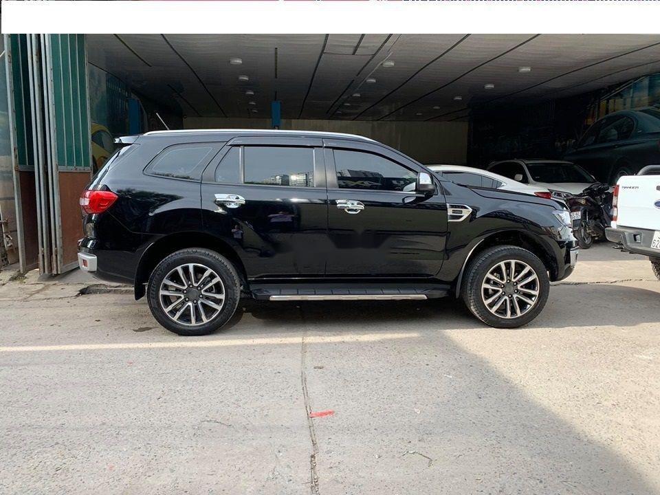 Cần bán lại xe Ford Everest Titanium 4x2AT đời 2018, màu đen, nhập khẩu số tự động (2)
