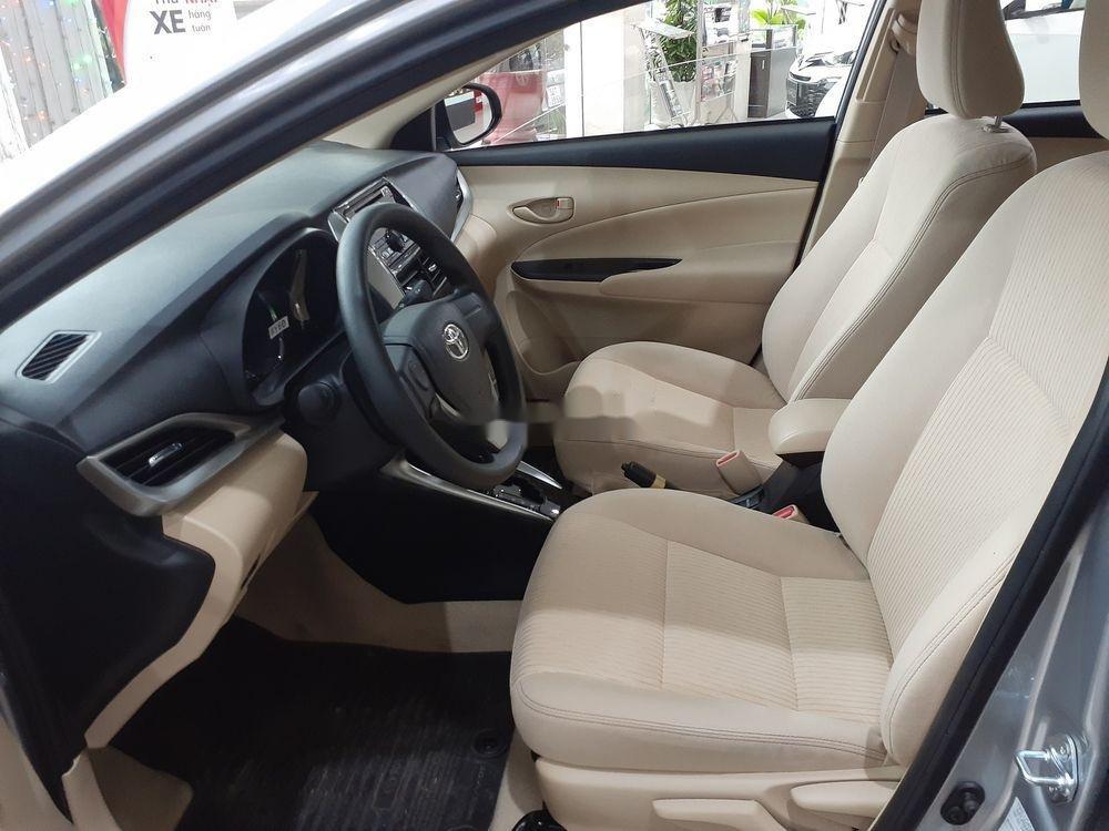 Bán xe Toyota Vios đời 2019, màu bạc, số tự động (4)