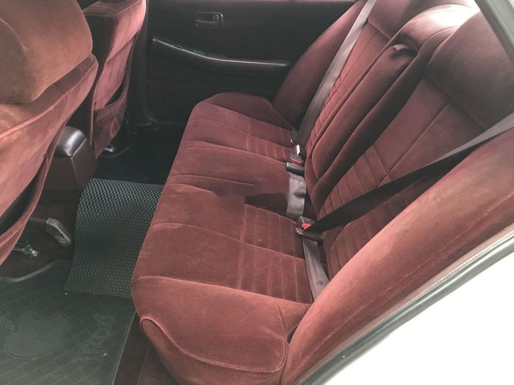 Bán xe cũ Toyota Cressida đời 1996, màu bạc, xe nhập (4)