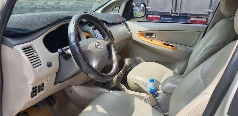 Bán xe Toyota Innova đời 2010, màu bạc chính chủ, giá chỉ 345 triệu, xe nguyên bản (8)