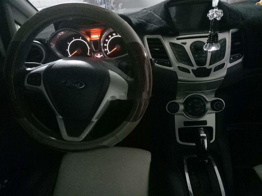 Cần bán lại xe Ford Fiesta sản xuất 2012, màu trắng, giá tốt (7)