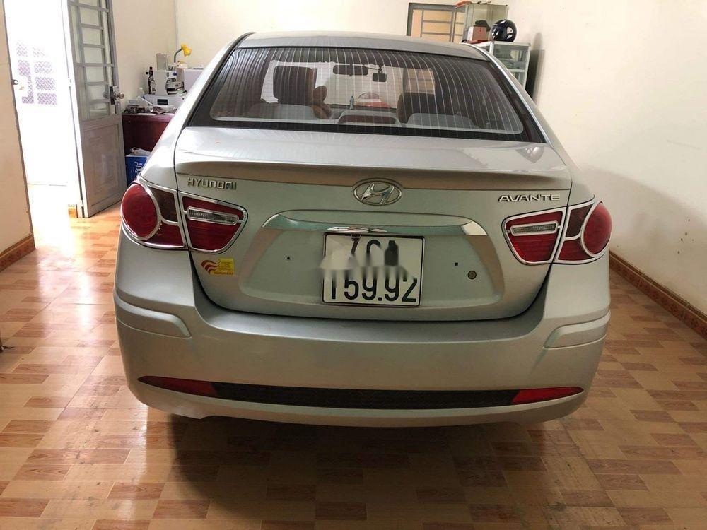 Bán Hyundai Avante năm 2014, màu bạc (5)