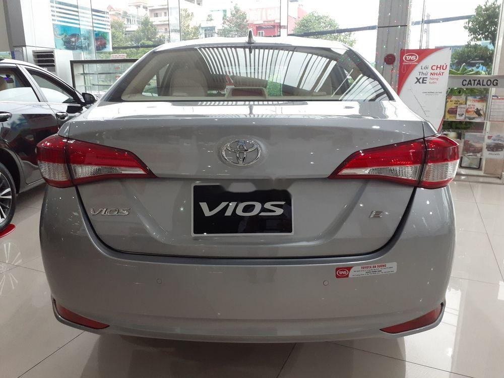 Bán xe Toyota Vios đời 2019, màu bạc, số tự động (3)