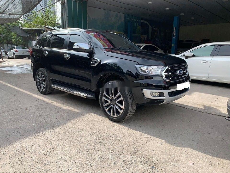 Cần bán lại xe Ford Everest Titanium 4x2AT đời 2018, màu đen, nhập khẩu số tự động (6)