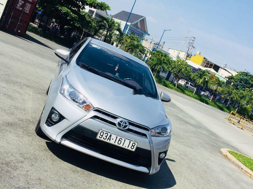 Cần bán lại xe Toyota Yaris AT đời 2017, màu bạc (6)