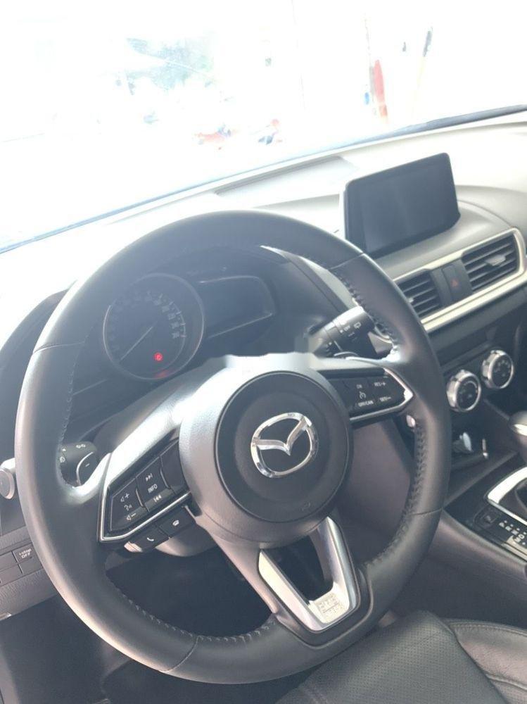 Bán xe Mazda 3 năm sản xuất 2017, màu trắng, xe đẹp (6)