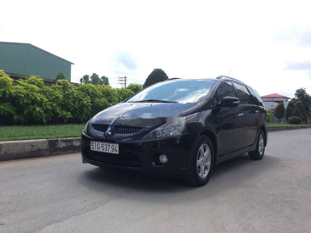 Cần bán xe Mitsubishi Grandis đời 2005, màu đen xe gia đình giá tốt (1)