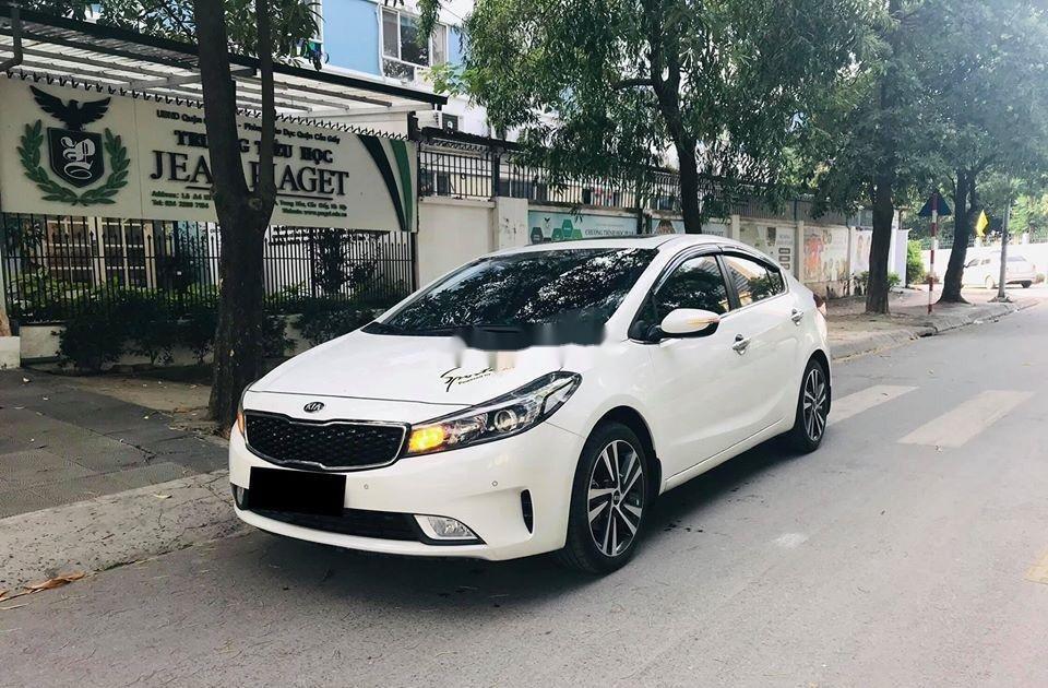 Cần bán lại xe Kia Cerato 2.0 AT sản xuất 2018, màu trắng  (2)
