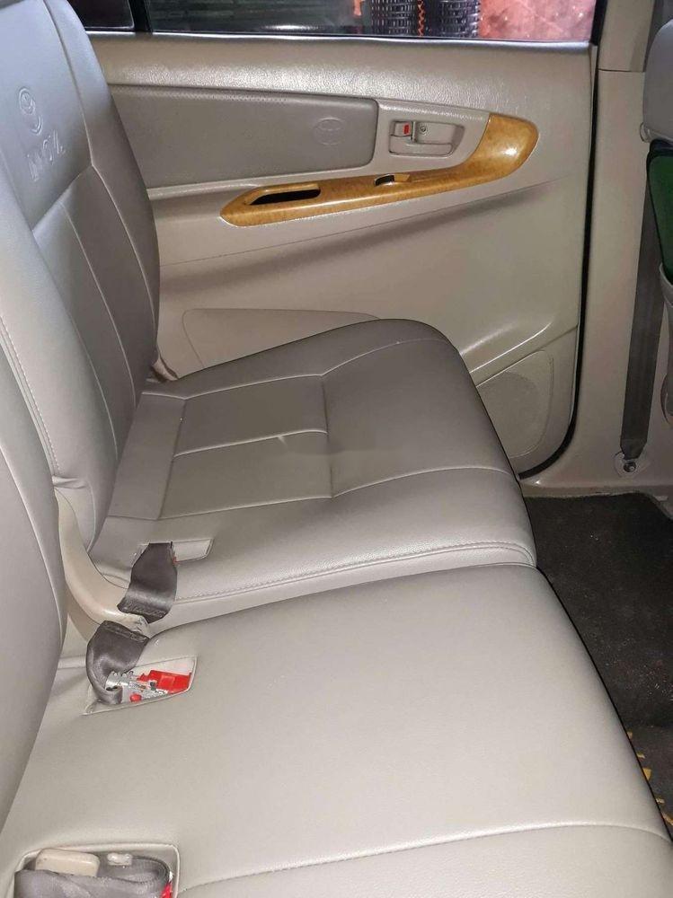 Cần bán gấp Toyota Innova đời 2008, màu bạc chính chủ (10)