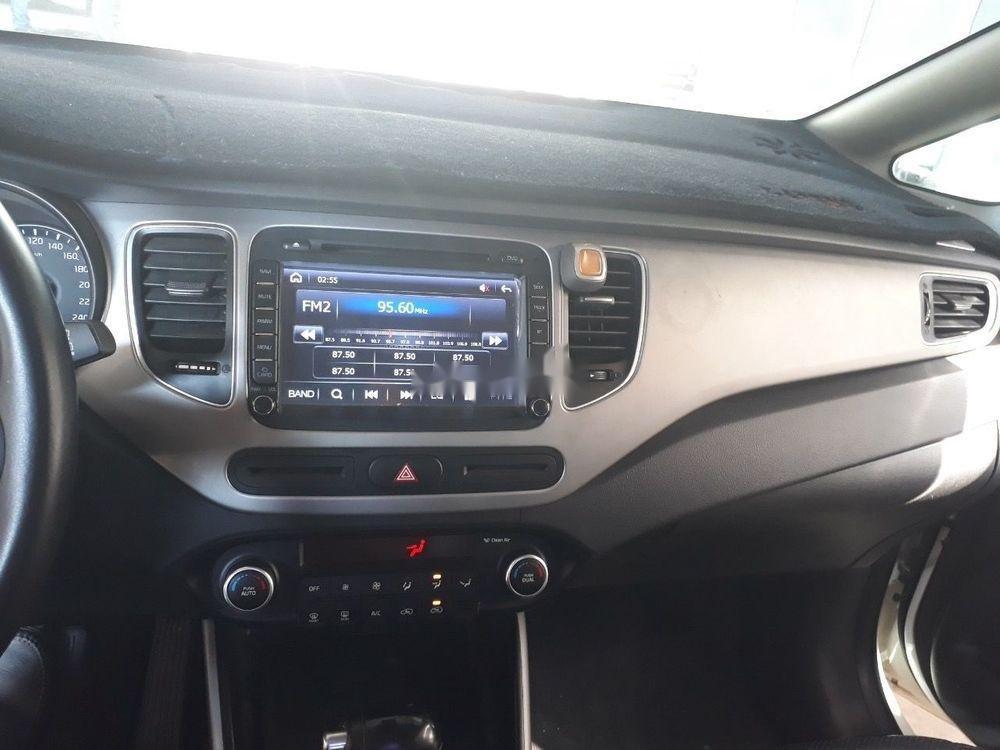 Bán xe Kia Rondo 2.0GAT sản xuất năm 2016, màu trắng, giá chỉ 536 triệu (9)