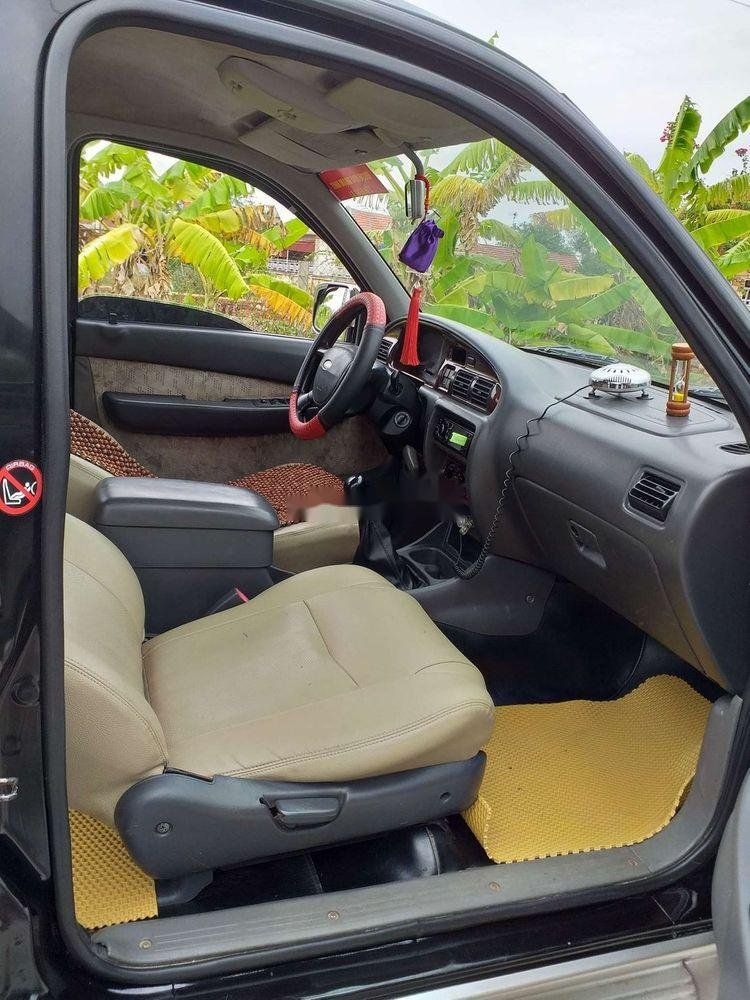 Cần bán lại xe cũ Ford Everest năm 2005, màu đen, 238 triệu (5)