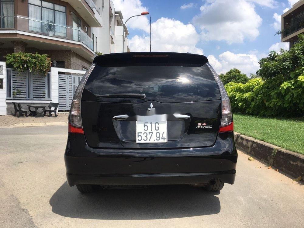 Cần bán xe Mitsubishi Grandis đời 2005, màu đen xe gia đình giá tốt (3)