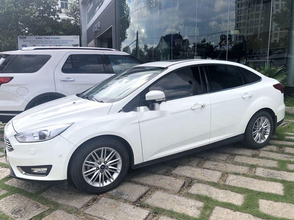 Bán xe Ford Focus AT đời 2018, màu trắng (1)