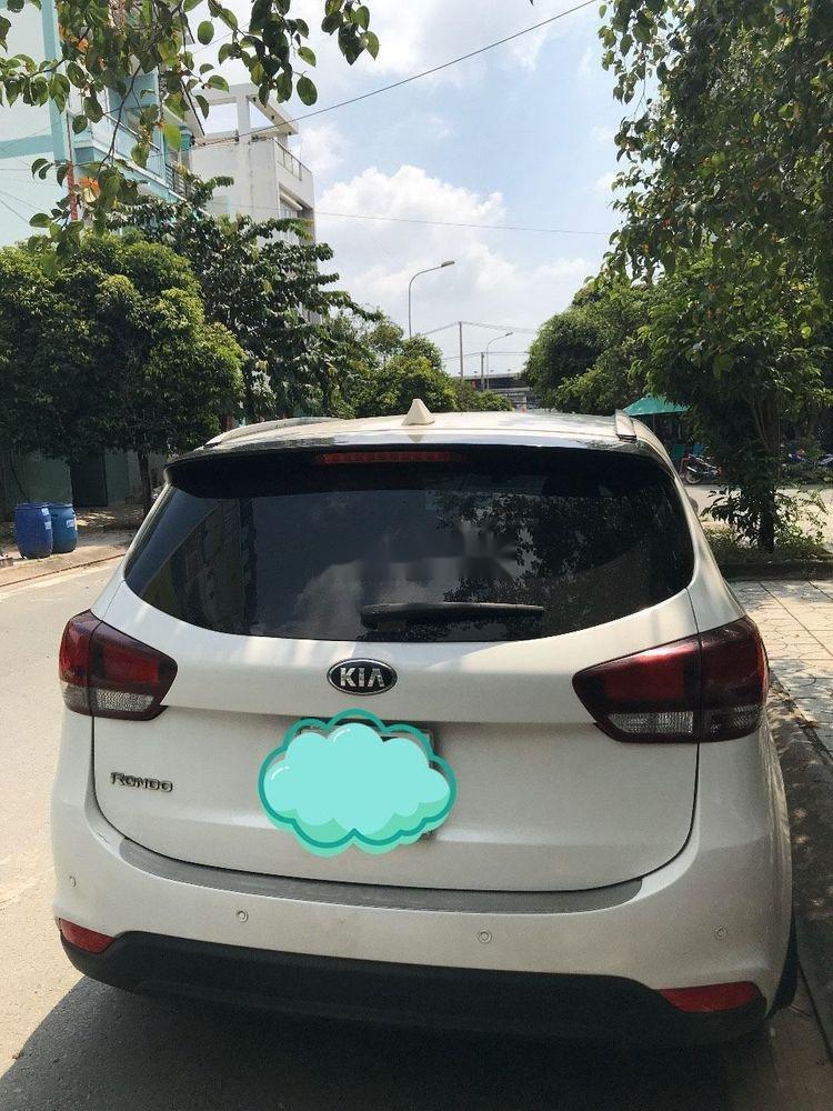 Bán ô tô Kia Rondo đời 2017, màu trắng, 530tr (3)