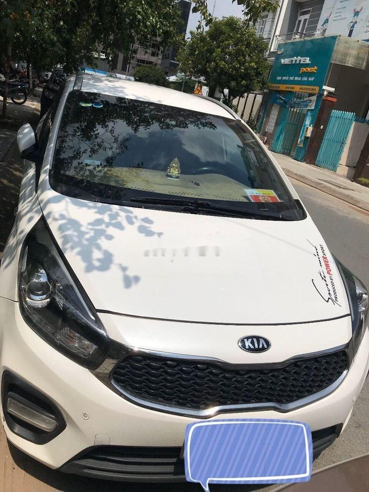 Bán ô tô Kia Rondo đời 2017, màu trắng, 530tr (2)