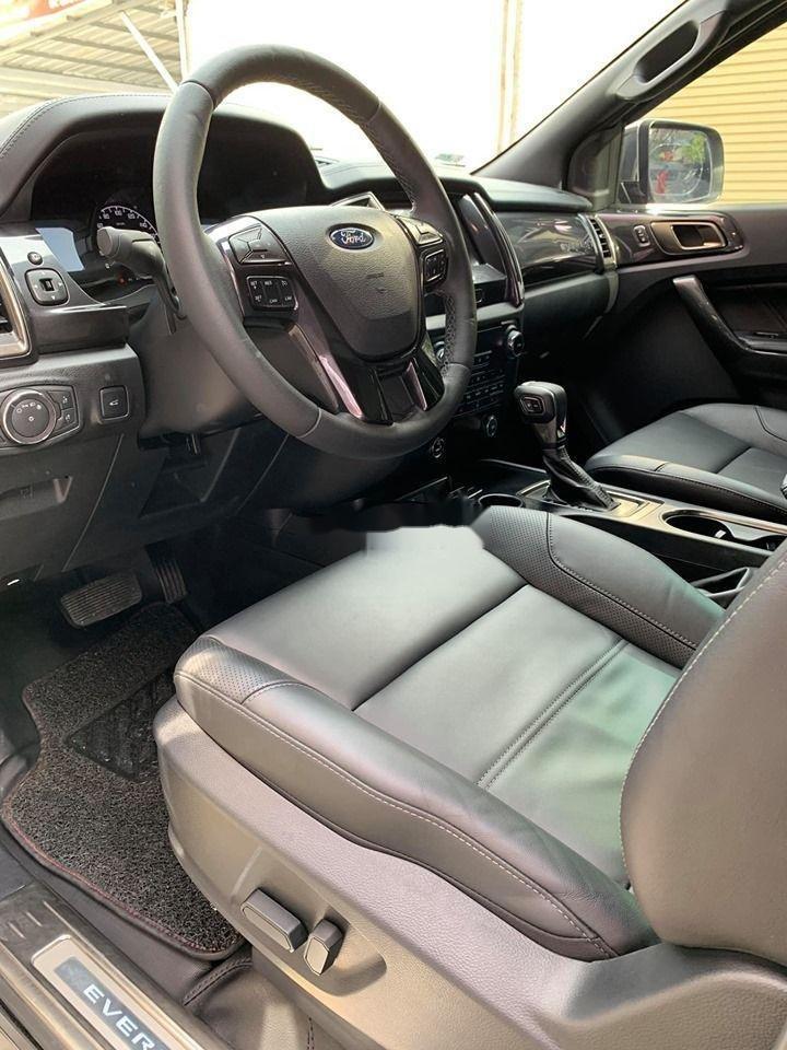 Cần bán lại xe Ford Everest Titanium 4x2AT đời 2018, màu đen, nhập khẩu số tự động (5)