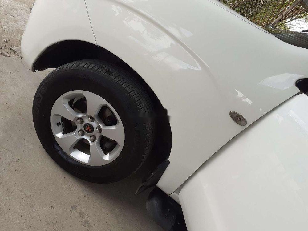 Cần bán xe Mitsubishi Zinger đời 2009, màu trắng, nhập khẩu nguyên chiếc (2)