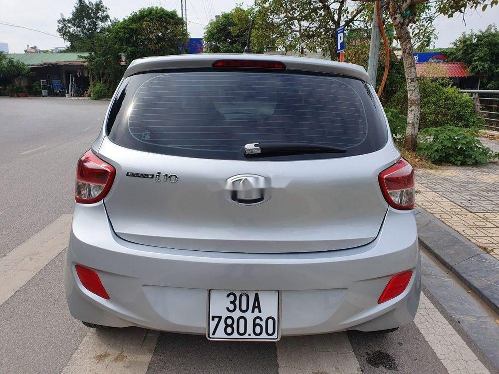 Bán Hyundai Grand i10 2016, màu bạc, nhập khẩu chính chủ giá tốt (2)