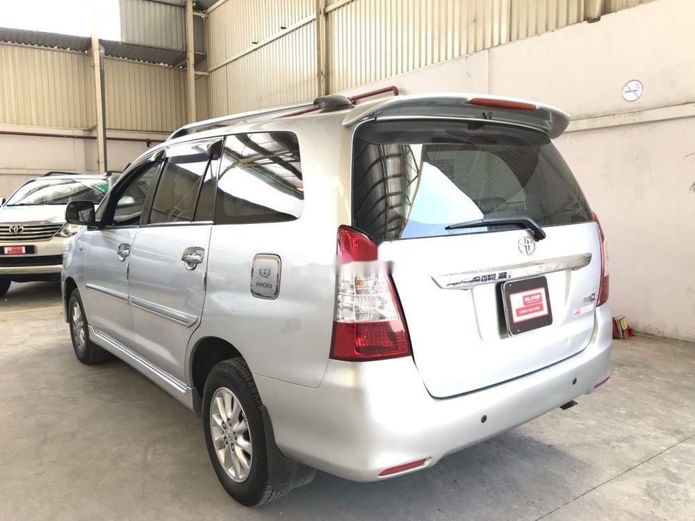 Cần bán Toyota Innova G đời 2013, màu bạc (7)