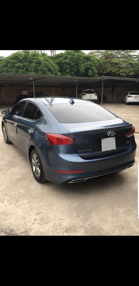Cần bán lại xe Hyundai Elantra 1.6 AT năm sản xuất 2017 đẹp như mới (2)