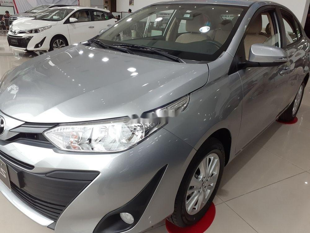 Bán xe Toyota Vios đời 2019, màu bạc, số tự động (2)