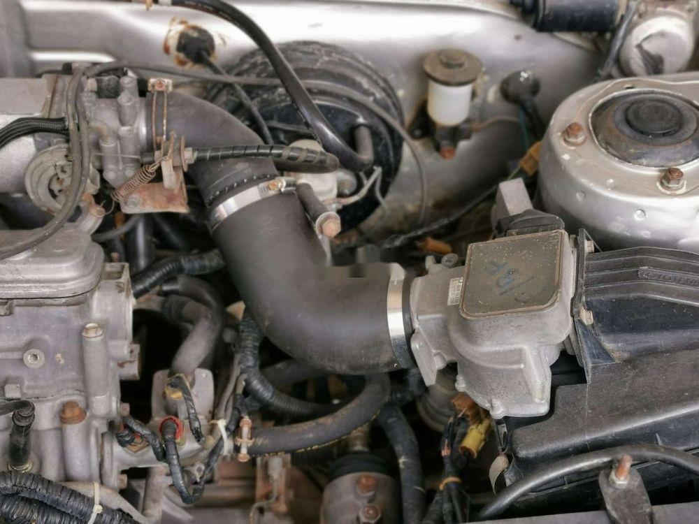 Cần bán Toyota Camry năm 1986, màu bạc, nhập khẩu (8)