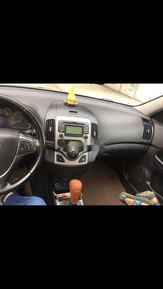 Cần bán Hyundai i30 năm sản xuất 2010, màu đen, xe nhập số tự động (5)