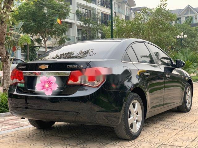 Bán Chevrolet Cruze LS 1.6MT đời 2014, màu đen chính chủ (2)