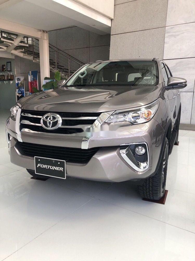Cần bán xe Toyota Fortuner đời 2019, giá tốt (1)
