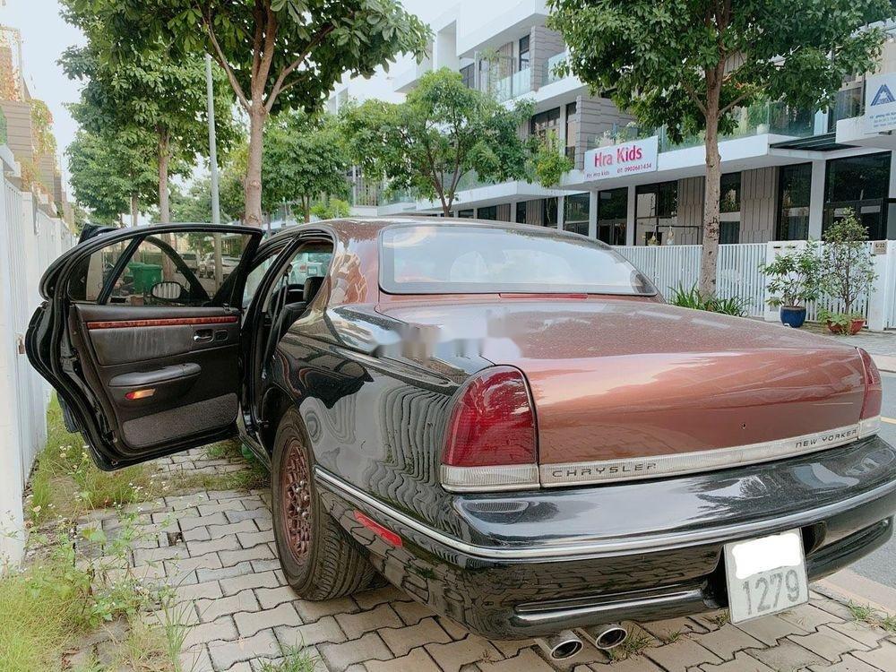 Cần bán gấp Chrysler New Yorker đời 1994, nhập khẩu, giá rẻ (4)