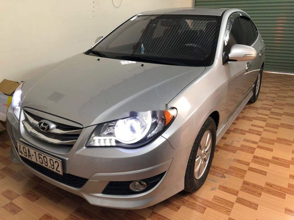 Bán Hyundai Avante năm 2014, màu bạc (2)