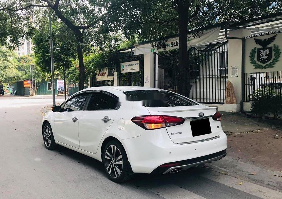 Cần bán lại xe Kia Cerato 2.0 AT sản xuất 2018, màu trắng  (7)