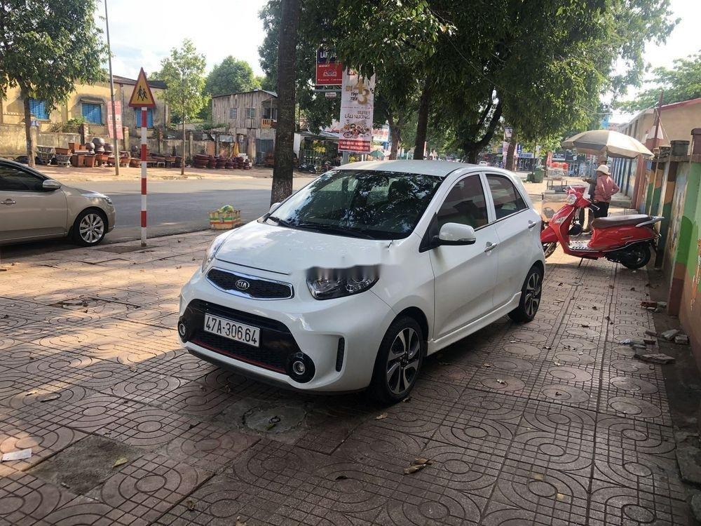Bán ô tô Kia Morning đời 2016, màu trắng xe gia đình (1)