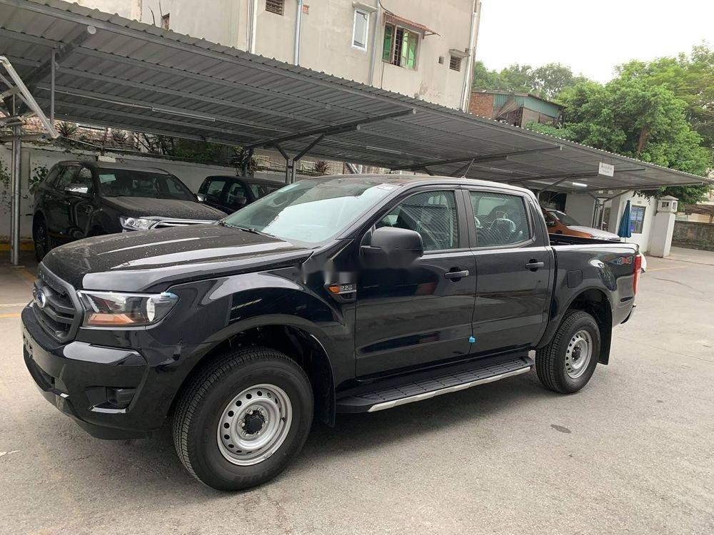 Cần bán gấp Ford Ranger đời 2019, màu đen, xe nhập (4)