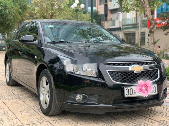 Bán Chevrolet Cruze LS 1.6MT đời 2014, màu đen chính chủ (1)