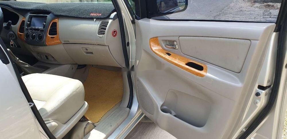 Bán xe Toyota Innova đời 2010, màu bạc chính chủ, giá chỉ 345 triệu, xe nguyên bản (4)
